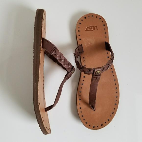 14f9ffe1c03 UGG Australia Bria Thong Sandals NWT